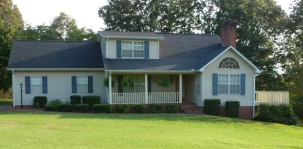 4427 Pinehurst Rd, Louisville, TN 37777 (#1012076) :: Shannon Foster Boline Group