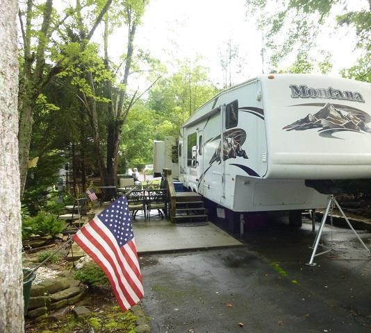 4223 E Parkway, Gatlinburg, TN 37738 (#1013562) :: SMOKY's Real Estate LLC