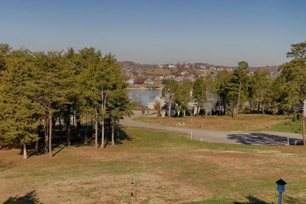 1301 Appoxmattox Lane, Knoxville, TN 37920 (#1039594) :: Shannon Foster Boline Group