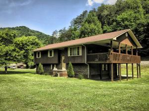 16 Jenson Hollow Rd, Pineville, KY 40977 (#1043327) :: Shannon Foster Boline Group