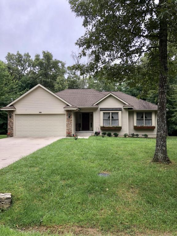 218 Pomeroy Drive, Crossville, TN 38558 (#1048541) :: Billy Houston Group