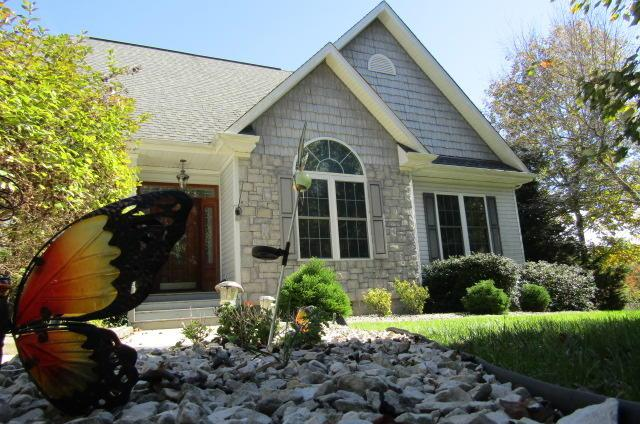 4054 Lone Wolf Circle, Crossville, TN 38572 (#1063794) :: Shannon Foster Boline Group