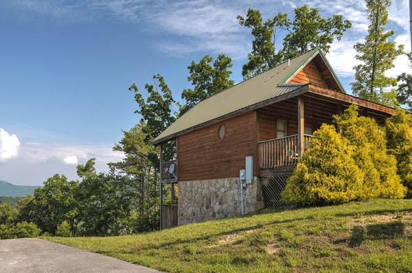2551 Raccoon Hollow Way, Sevierville, TN 37862 (#1064723) :: Shannon Foster Boline Group