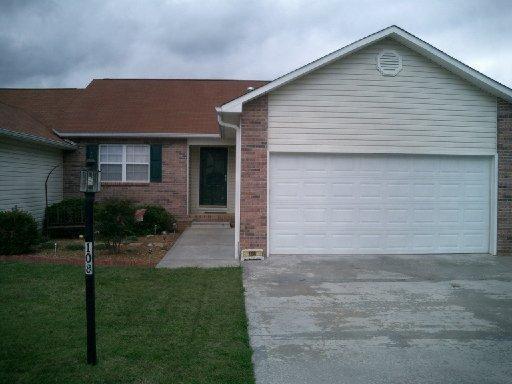108 Executive Meadows Drive, Lenoir City, TN 37771 (#1068721) :: Billy Houston Group