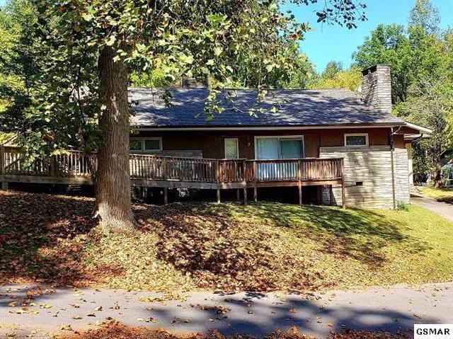 422 Laurel Ave, Gatlinburg, TN 37738 (#1095685) :: The Terrell Team