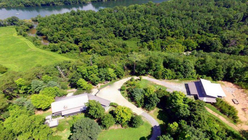 678 Mount Pleasant Rd - Photo 1
