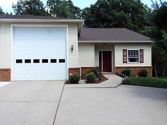 81 White Oak Circle, Crossville, TN 38555 (#1102790) :: Billy Houston Group