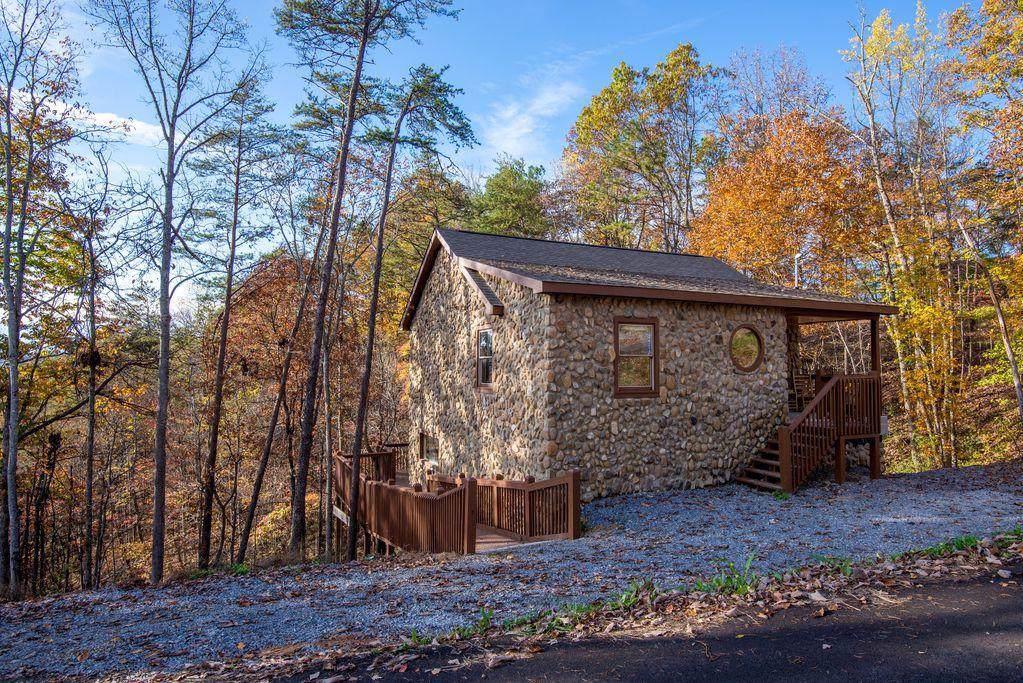3528 Mountain Top Lane - Photo 1