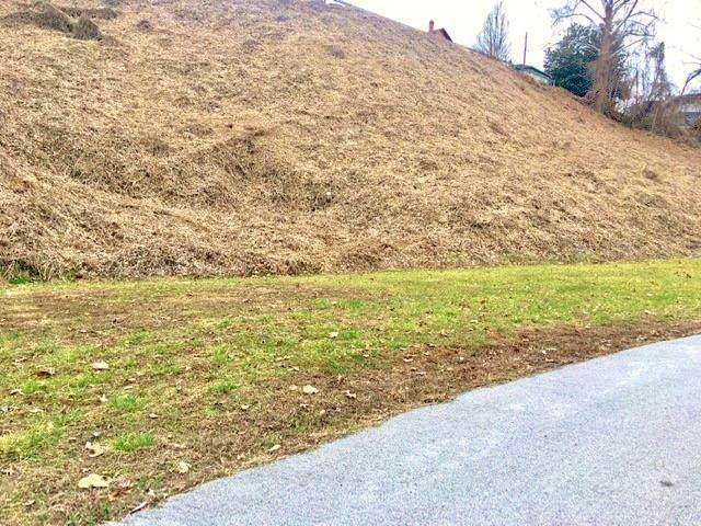 Lot 6 Robbins Sub-Greenwood Rd, Middlesboro, KY 40965 (#1107024) :: Shannon Foster Boline Group