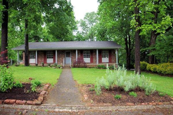 909 Teakwood Rd, Knoxville, TN 37919 (#1118792) :: Realty Executives