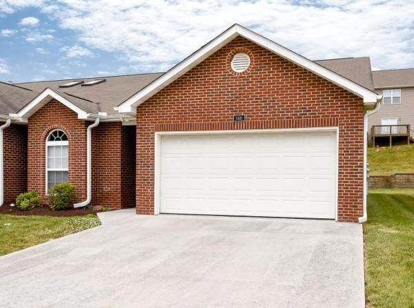 1121 Webster Groves Lane, Knoxville, TN 37909 (#1140600) :: The Cook Team