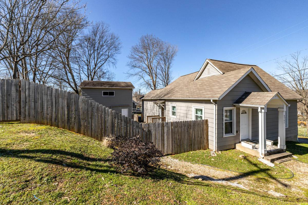2741 Whittle Springs Rd - Photo 1