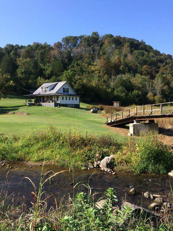 10173 Mulberry Gap Rd, Tazewell, TN 37879 (MLS #1150045) :: Austin Sizemore Team