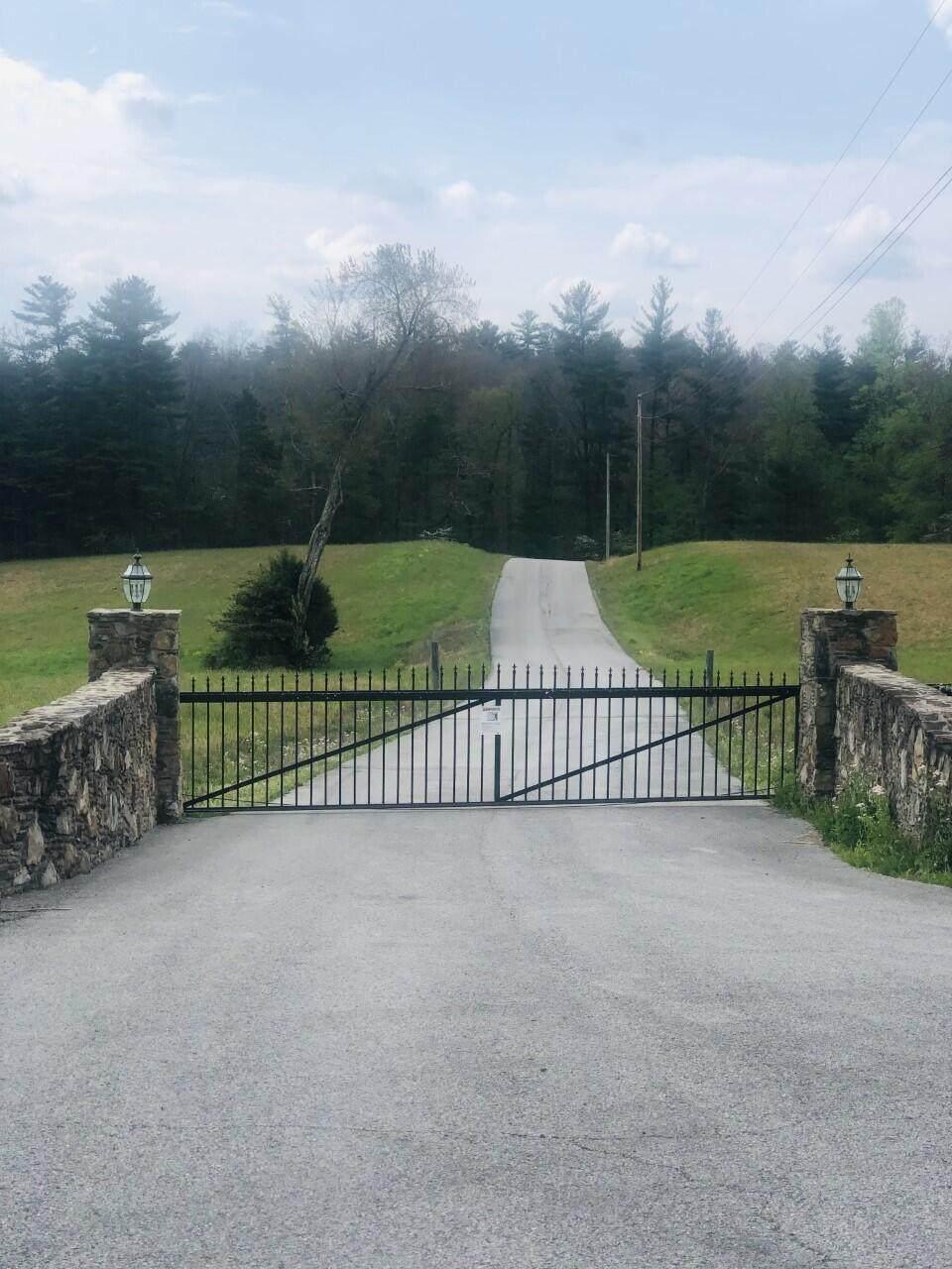 Highway 62 - Photo 1