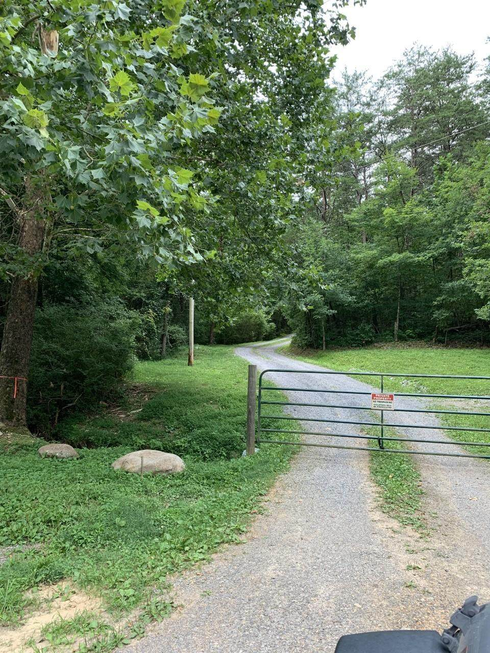 3107 Mutton Hollow Rd - Photo 1