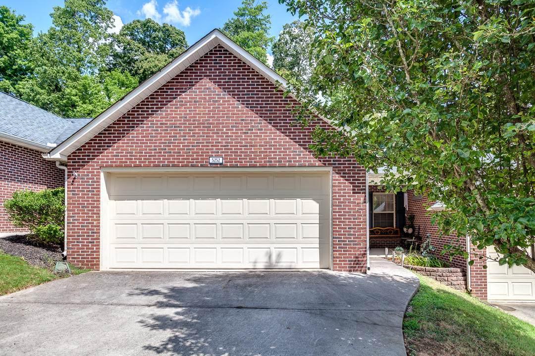5252 Avery Woods Lane - Photo 1