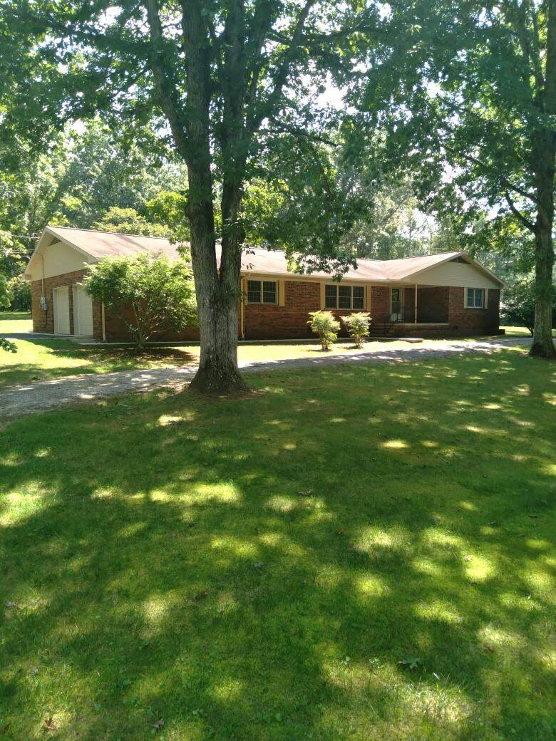 2103 Oak Drive - Photo 1