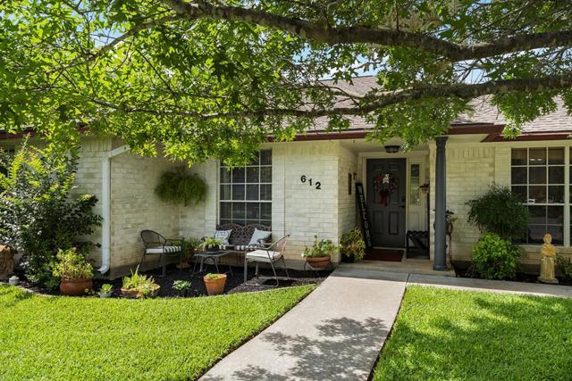 612 Town Creek Court, Fredericksburg, TX 78624 (MLS #104227) :: The Glover Homes & Land Group