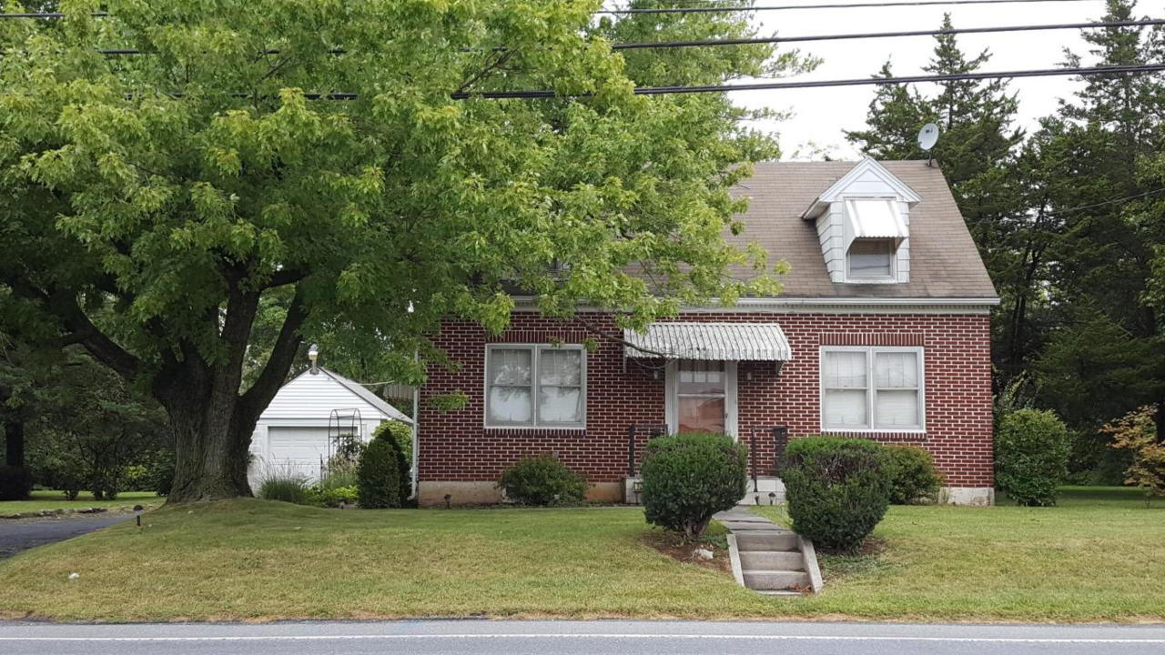 725 W Main Street, Annville, PA 17003 (MLS #256386) :: The Craig Hartranft Team, Berkshire Hathaway Homesale Realty