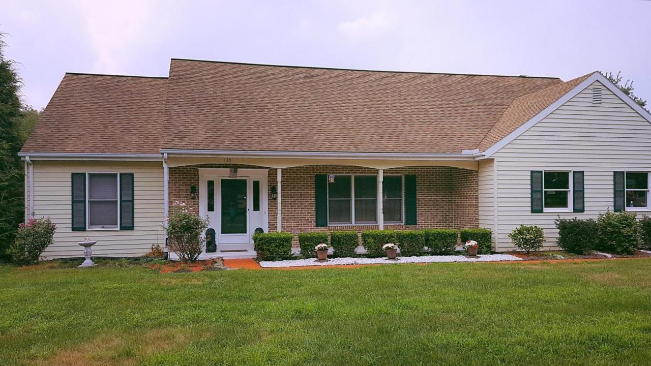 135 W Westview Drive, Elizabethtown, PA 17022 (MLS #253783) :: The Craig Hartranft Team, Berkshire Hathaway Homesale Realty