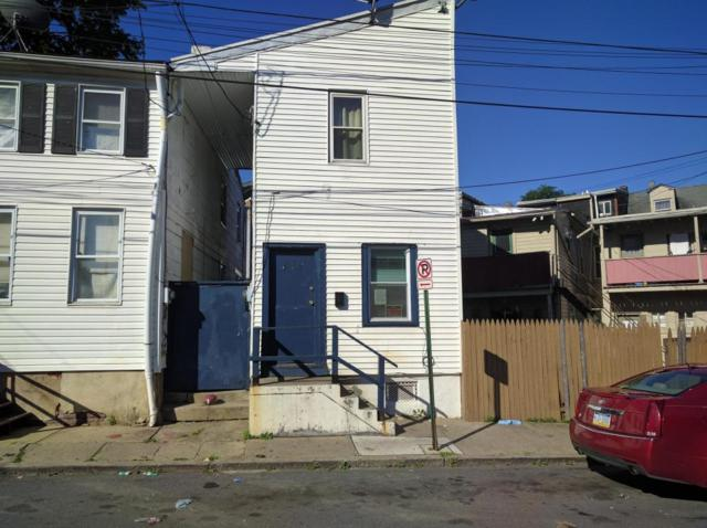 418 E Strawberry Street, Lancaster, PA 17602 (MLS #266817) :: The Craig Hartranft Team, Berkshire Hathaway Homesale Realty