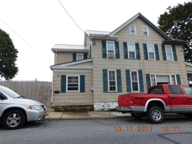 102 E Park Street, Elizabethtown, PA 17022 (MLS #271352) :: The Craig Hartranft Team, Berkshire Hathaway Homesale Realty