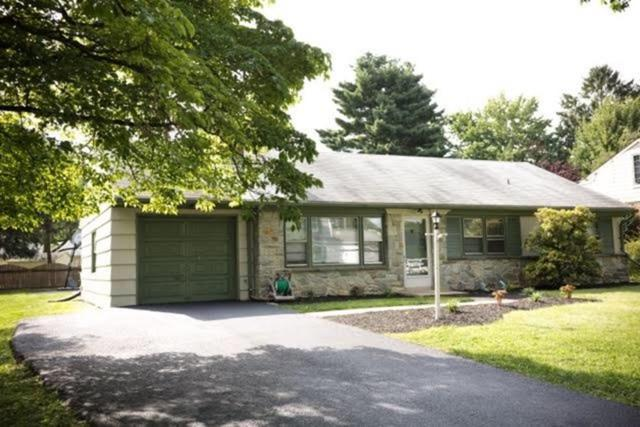 1541 Santa Barbara Drive, Lancaster, PA 17601 (MLS #271457) :: The Craig Hartranft Team, Berkshire Hathaway Homesale Realty
