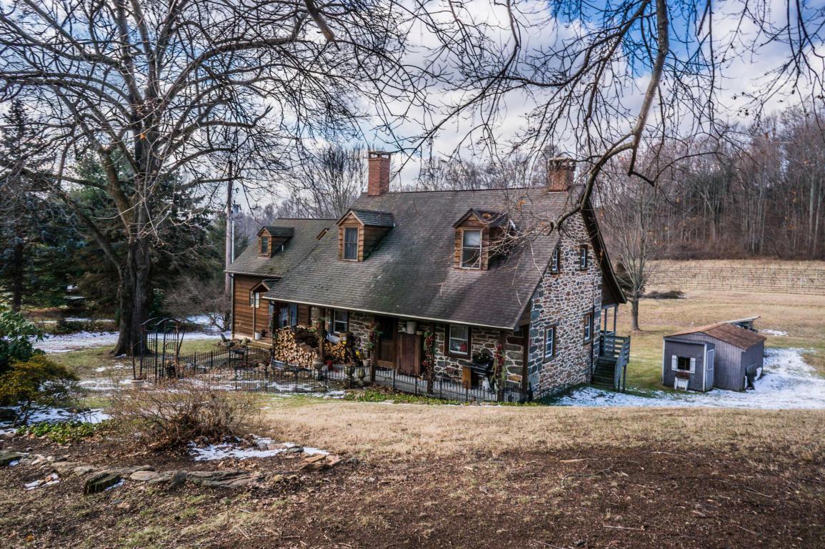 884 Georges Court, Glen Rock, PA 17327 (MLS #232417) :: The Craig Hartranft Team, Berkshire Hathaway Homesale Realty