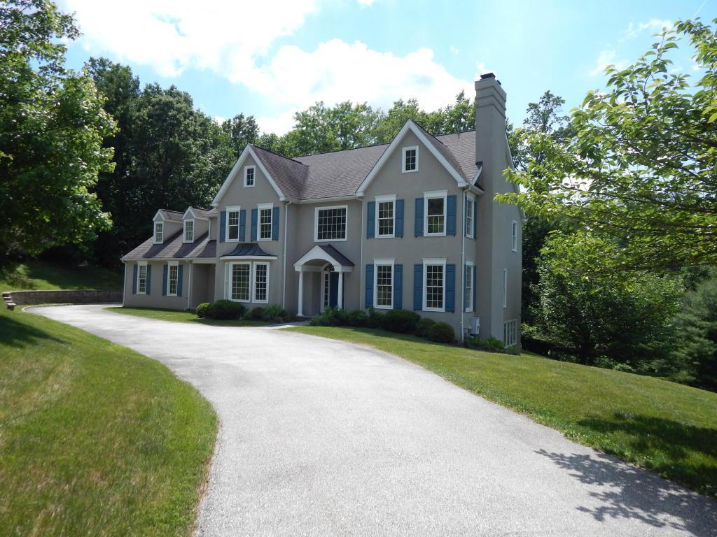 660 Narcisi Lane, Wayne, PA 19087 (MLS #238465) :: The Craig Hartranft Team, Berkshire Hathaway Homesale Realty