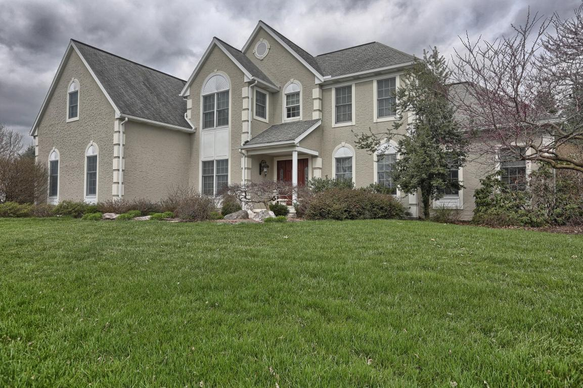 4 Oak Wood Lane, Lititz, PA 17543 (MLS #249141) :: The Craig Hartranft Team, Berkshire Hathaway Homesale Realty