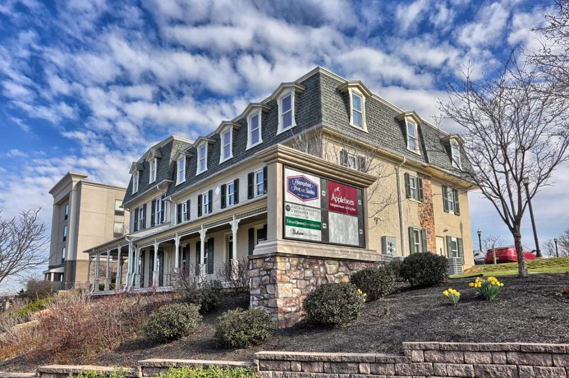 390 E Main Street #302, Ephrata, PA 17522 (MLS #249458) :: The Craig Hartranft Team, Berkshire Hathaway Homesale Realty
