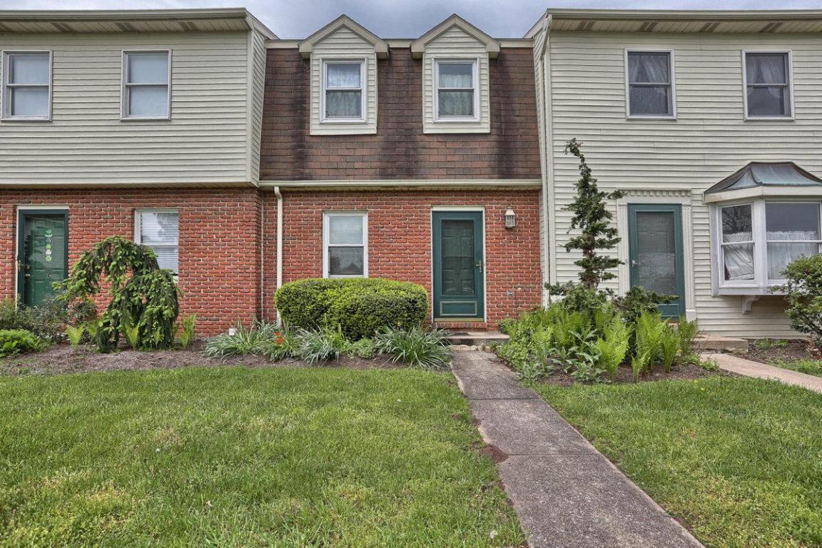 7 Garden Court, Elizabethtown, PA 17022 (MLS #250792) :: The Craig Hartranft Team, Berkshire Hathaway Homesale Realty