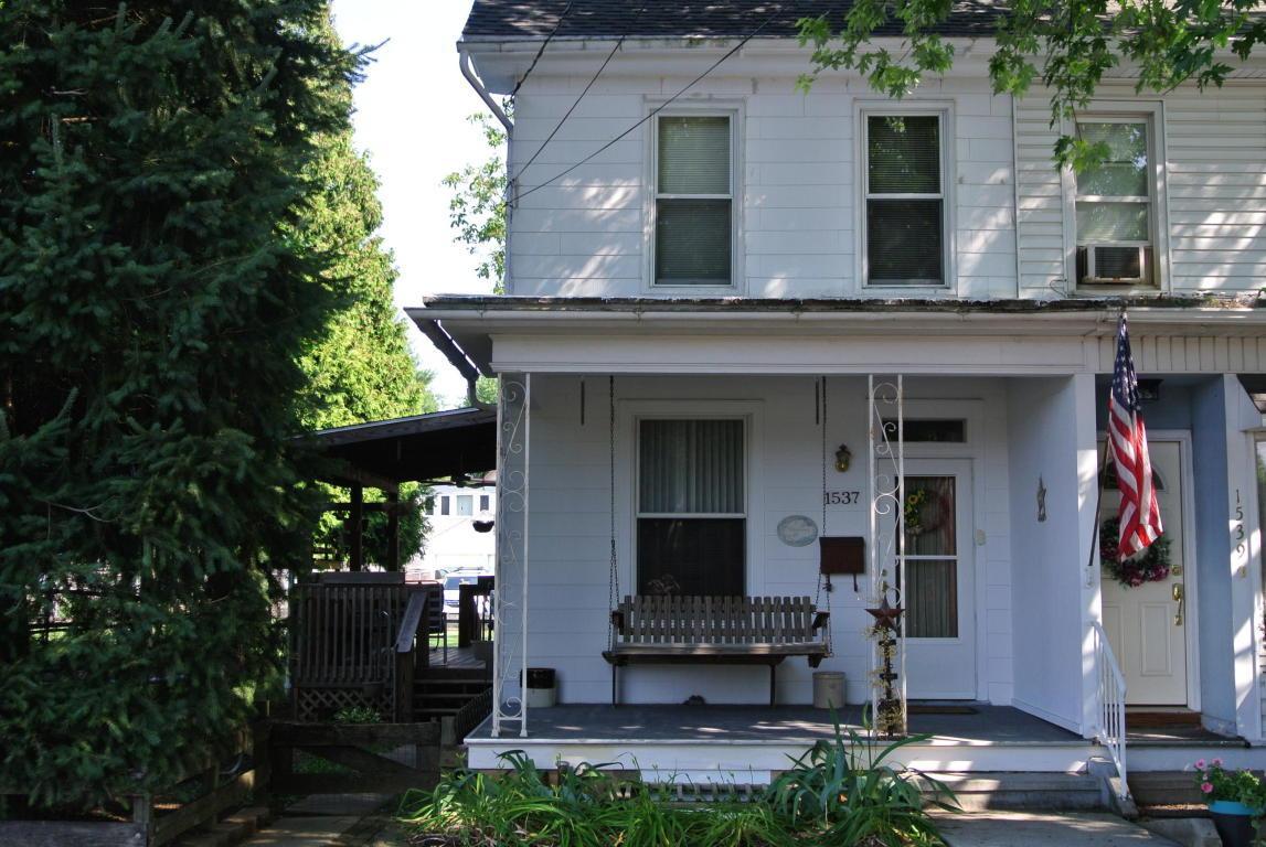 1537 E Chocolate Avenue, Hershey, PA 17033 (MLS #252950) :: The Craig Hartranft Team, Berkshire Hathaway Homesale Realty