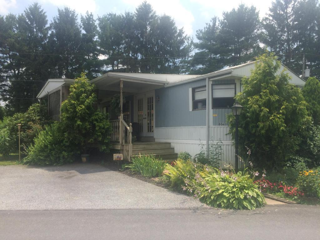 806 Gail Place, Lancaster, PA 17601 (MLS #253387) :: The Craig Hartranft Team, Berkshire Hathaway Homesale Realty
