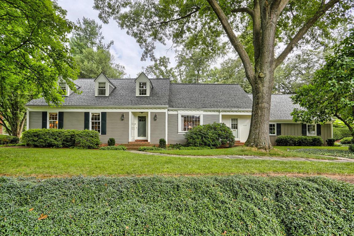 1305 Meadowbrook Road, Lancaster, PA 17603 (MLS #255444) :: The Craig Hartranft Team, Berkshire Hathaway Homesale Realty