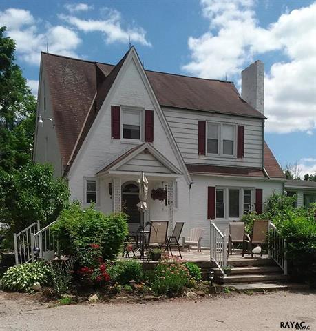 2520 Springwood Road, York, PA 17402 (MLS #255597) :: The Craig Hartranft Team, Berkshire Hathaway Homesale Realty