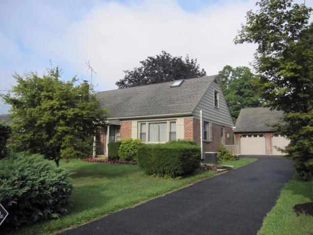 140 Shenk Avenue, Strasburg, PA 17579 (MLS #255766) :: The Craig Hartranft Team, Berkshire Hathaway Homesale Realty