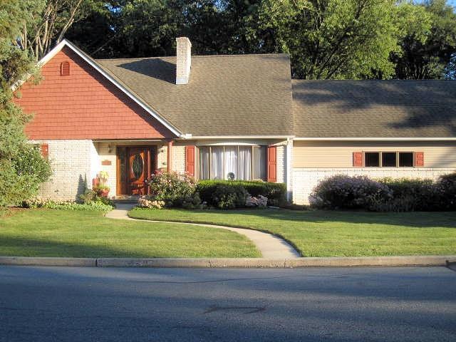 844 E Elm Street, Palmyra, PA 17078 (MLS #256135) :: The Craig Hartranft Team, Berkshire Hathaway Homesale Realty