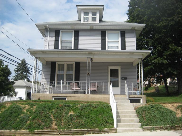 11 E Poplar Street, Palmyra, PA 17078 (MLS #256722) :: The Craig Hartranft Team, Berkshire Hathaway Homesale Realty