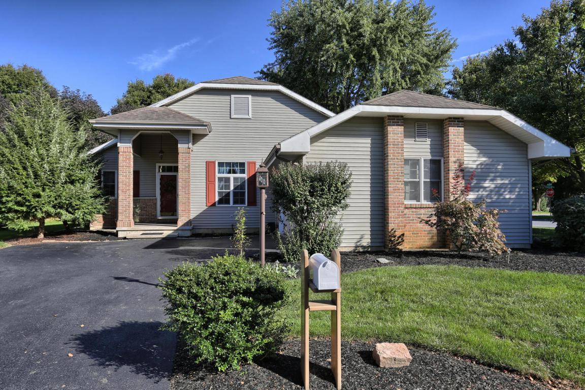 600 Pondside Lane, Lebanon, PA 17042 (MLS #257192) :: The Craig Hartranft Team, Berkshire Hathaway Homesale Realty