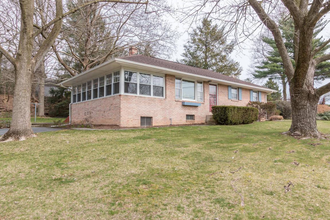 519 E Newport Road, Lititz, PA 17543 (MLS #257215) :: The Craig Hartranft Team, Berkshire Hathaway Homesale Realty