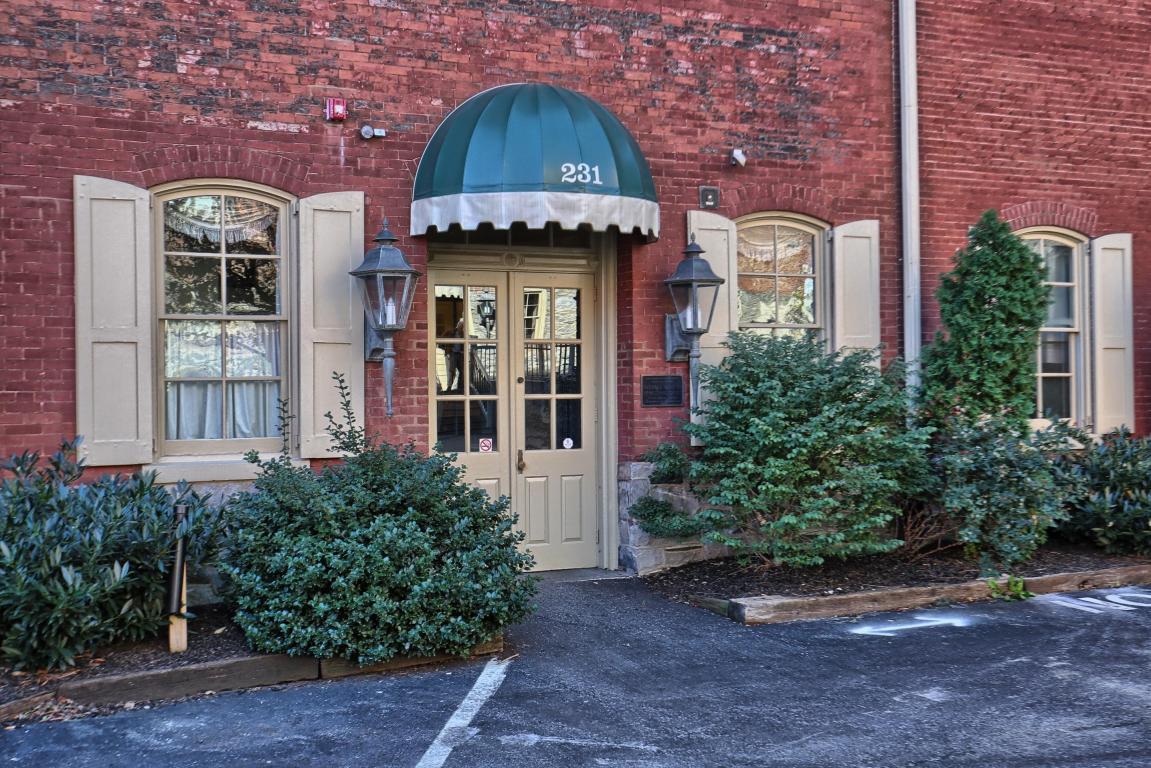 231 N Shippen Street Unit 225, Lancaster, PA 17602 (MLS #257236) :: The Craig Hartranft Team, Berkshire Hathaway Homesale Realty