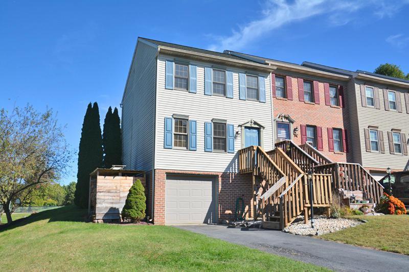 101 Townhouse Lane, Lancaster, PA 17603 (MLS #257294) :: The Craig Hartranft Team, Berkshire Hathaway Homesale Realty