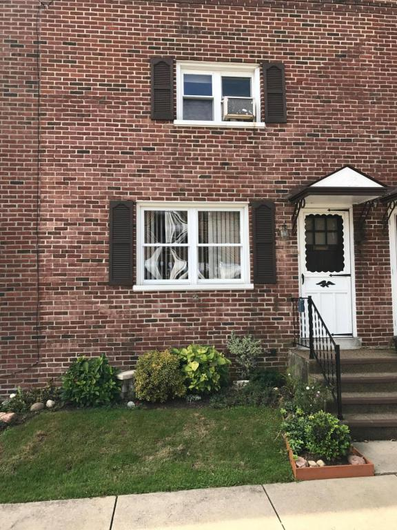 70 Wise Avenue, Lancaster, PA 17603 (MLS #257327) :: The Craig Hartranft Team, Berkshire Hathaway Homesale Realty