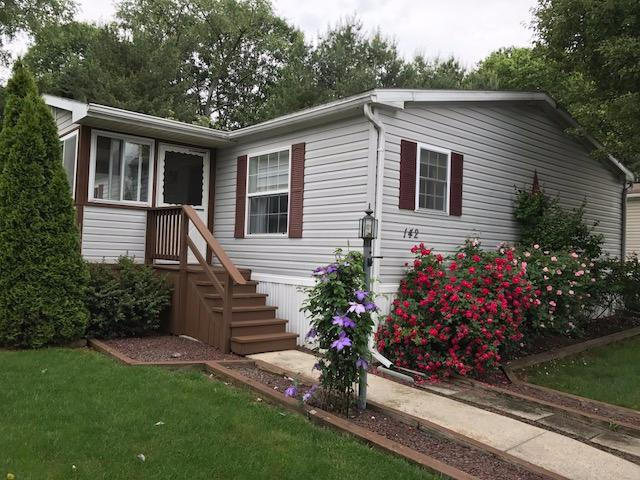 142 Greenbriar Circle, Lancaster, PA 17603 (MLS #265561) :: The Craig Hartranft Team, Berkshire Hathaway Homesale Realty