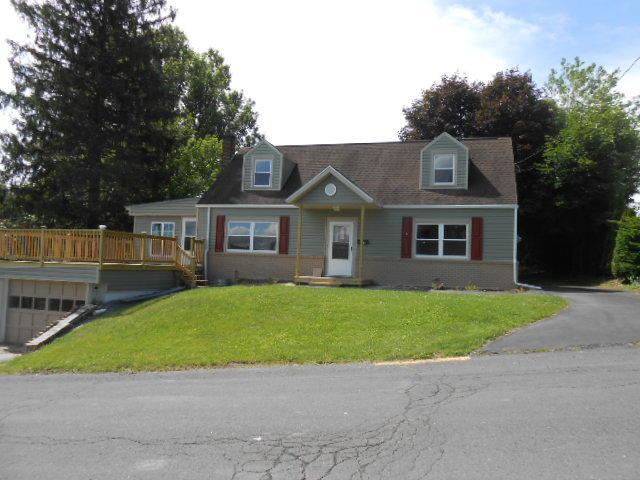 111 High Street, Pine Grove, PA 17963 (MLS #266070) :: The Craig Hartranft Team, Berkshire Hathaway Homesale Realty