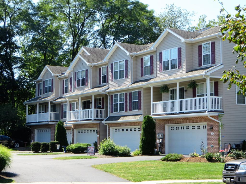 55 Parkside Drive, Lebanon, PA 17042 (MLS #254267) :: The Craig Hartranft Team, Berkshire Hathaway Homesale Realty
