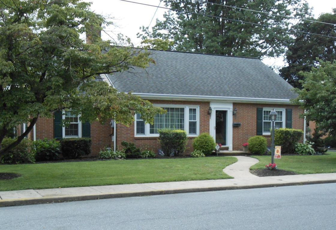 140 N Clay Street, Manheim, PA 17545 (MLS #255074) :: The Craig Hartranft Team, Berkshire Hathaway Homesale Realty