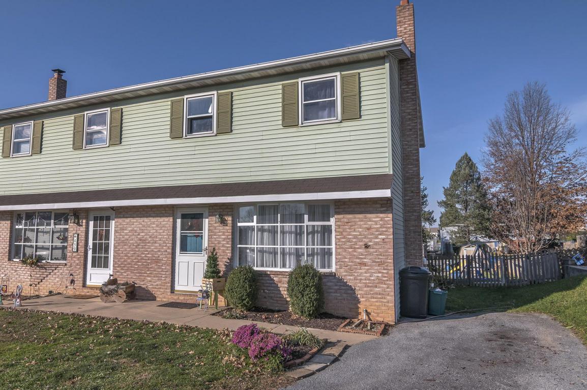 457 S Plum Street, Mount Joy, PA 17552 (MLS #255304) :: The Craig Hartranft Team, Berkshire Hathaway Homesale Realty