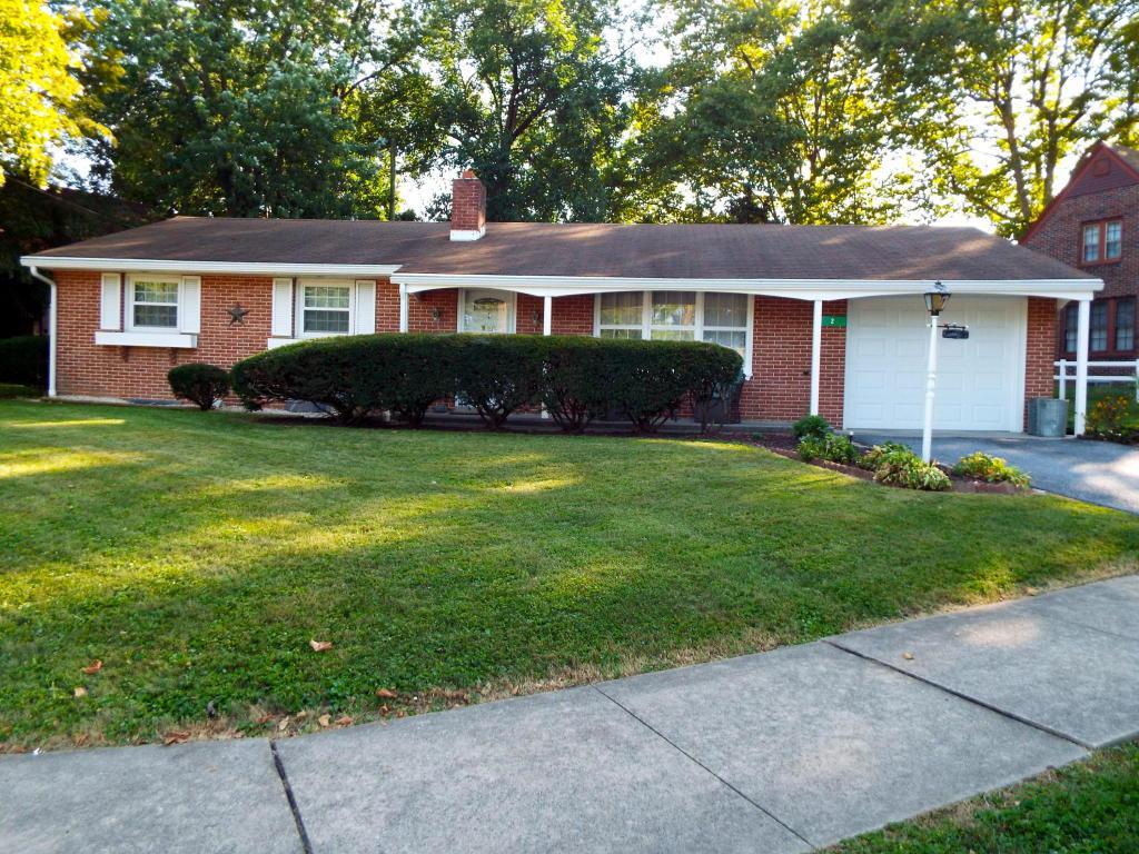 2 W Jefferson Avenue, Myerstown, PA 17067 (MLS #255509) :: The Craig Hartranft Team, Berkshire Hathaway Homesale Realty